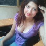 sexy-hot-woman-wearing-violete-show-hot-cleavage-35