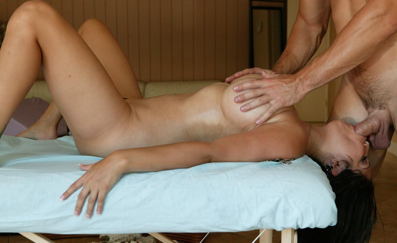 Massage tricked into fuck