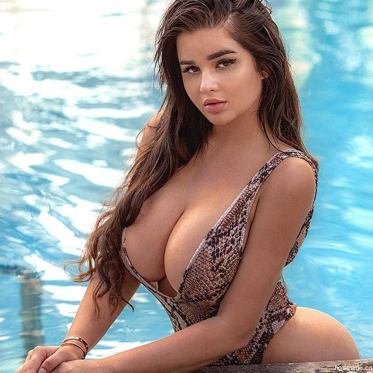 models cleavage